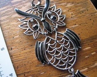 Owl pendant | large | silver | retro style | articulated | findings