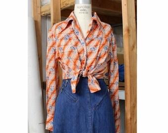 70s Gucci Blouse M/L • Ostrich Print Blouse • Cotton Blouse • 70s Blouse • Vintage Gucci Novelty Print • Vintage Gucci Shirt    GT001