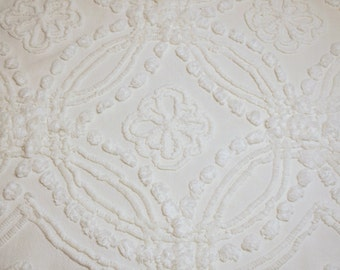 Large Piece Gorgeous Cream or Ivory Wedding Ring and Flowers Cabin Crafts Vintage Chenille Bedspread Fabric - 8 Flowers