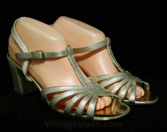 Size 7.5 Sparkling Gold Sandals - Glam 1960s Metallic Shoes - 60s Open Toe T Strap Cocktail Pump - NOS Deadstock - 7 1/2 W - 44531-18