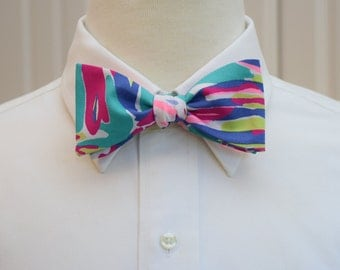 Men's Bow Tie, Safari Sighted teal magenta Lilly print, groomsmen gift, wedding bow tie, groom bow tie, prom bow tie, tuxedo accessory