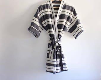 The Summer Linen Robe