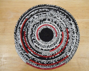 Modern black, white & red fabric-wrapped clothesline mat