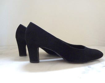 1960s Black Suede Chunky Heels - vintage pumps size 7