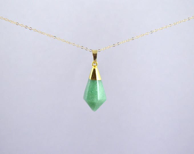 Aventurine Crystal Gemstone Pyramid Point Necklace, Crystal Choker, Crystal Point Necklace, Quartz Crystal, Crystal Necklace, Crystal Point