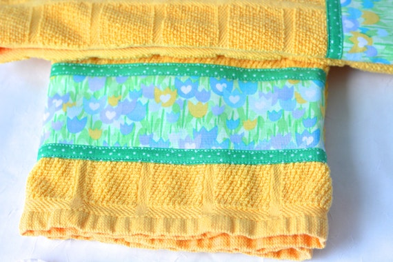 Bridal Shower Gift Towels, 2 Hand Decorated Kitchen Towels, Kitchen Decoration, Set of Two Cute  Kitchen Towels, Summer Home Decor