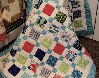FREE SHIPPING, Tide Pool Quilt, Beach Decor, Disappearing Nine Patch, Hand Quilted