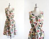 Vintage Abstract Leaf Printed Dress / Tent Dress / Cotton Blend / Cinched Waist / M L