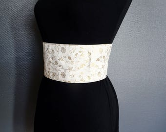 Flowers and volutes gold on white, reversible brocade obi belt