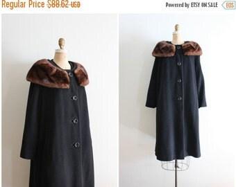 24 HOUR SALE vintage 1950s mink collar coat - black wool coat with fur trim / 50s ladies wool winter coat - fur collar / chestnut mink fur c