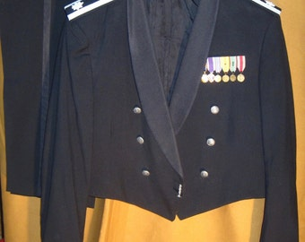 Large WWII Veterans US Air Force Lt Colonel formal dinner dress / tuxedo uniform