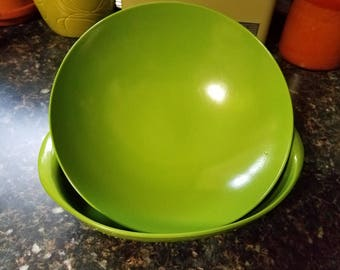 Vintage 70's Avocado Green Set of Two Serving Bowls Kitsch