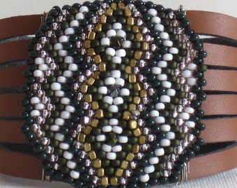 Leather cuff bracelet, with beadweaving