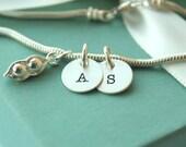 Personalized Sweet Pea Bracelet - Twins Bracelet - Twins Jewelry - Sweet Pea Twins Bracelet - Peas in a Pod - Personalized Bracelet -