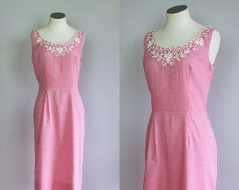Vintage 1950s 1960s Pink Gingham Plaid Sleeveless Wiggle Dress. XS Small