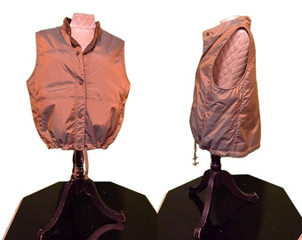sunset iridescence quilted vest with mock collar and drawstring cinch. size medium large. vintage 1990's