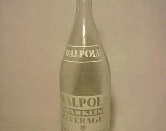 1970 Walpole Sparkling Beverages Walpole Bottling Co. Walpole, Mass., Clear ACL Painted Label Crown Top 28 ounce Soda Bottle