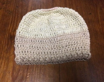 Messy bun hat - crochet hat - ponytail hat - ponytail beanie - crochet beanie - nuetral beanie - beige messy bun hat - messy bun beanie