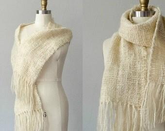 25% OFF SALE / 1970s vintage scarf / cream wool scarf / fringed scarf