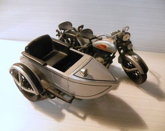 1933 Harley Davidson Motorcycle w SideCar Diecast Metal Replica Easter Gift for Guys Man Cave Decor Limited Edition Collectible Car