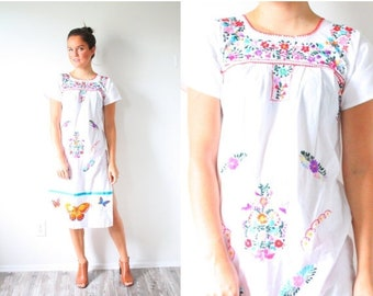 30% OFF EASTER SALE Vintage Mexican embroidered dress // floral butterfly dress // white Mexican summer // hippie dress // embroidered dress