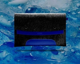 20%OFF Macbook Air 11 inches. Deep Blue Leather & Black Wool Felt.