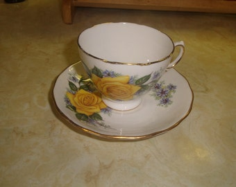 vintage bone china tea cup saucer set royal vale england yellow rose