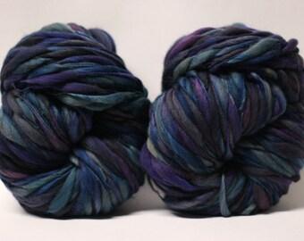 Thick and Thin Yarn Handspun Merino Wool Bulky Wool Slub  Hand Dyed tts(tm) Self-Striping LR1703