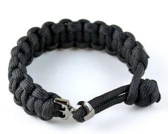 Paracord bracelet with anchor clasp. (Black)