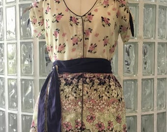 Adorable Vintage Urban Outfitters Cotton Floral Dress Like New Condition Size Small-Medium