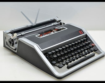 RARE Cursive Olivetti Lettera 33 Typewriter in Elegant Black & Silver with Case, Made in Italy, Vintage Mod 1960's Style, Sexy, SALE!