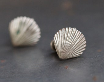 Seashells Antique Screw Back Earrings - Oxidized Sterling Silver - Clip on Earrings