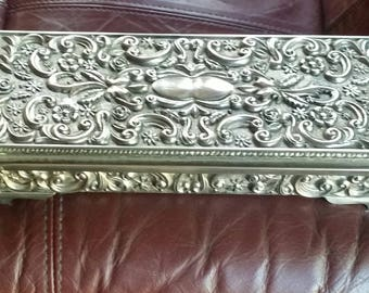 1992 Godinger Silver Plate Jewelry Box With Repousse   Flowers Leaves scrolling