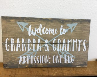 Grandpa and Grandma small pallet sign with arrows and admission: one hug - stained - rustic decor - farmhouse style - LR-112