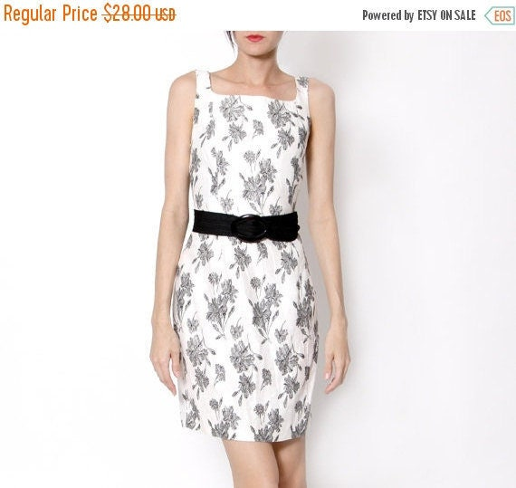ON SALE Vintage White Dress with black Flowers