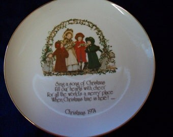 Holly Hobbie Commemorative Edition  1974 Christmas Plate Holly Hobbie Collector Plate