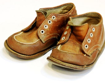 Old Brown Leather Childs Shoes, Vintage Rustic Rough Worn Prim Toddlers Unisex Shoes, Photo Prop or Upcycle  itsyourcountry