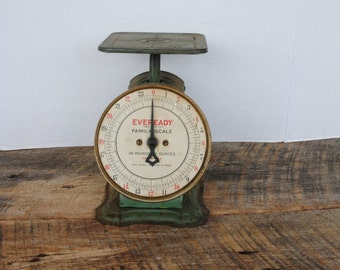 Vintage Eveready Family Scale Green 24 lb