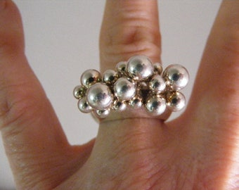 Vintage Silver Beaded Rain Drop  Ring in Sterling Silver.....  Lot 4959