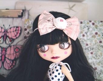 Blythe bow headband. Fashion Headbands, OOAK doll Headbands, Prop, Photographer. Neo Blythe clothes. Shabby chic bow, pink bow