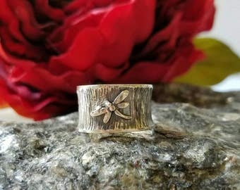 Dragonfly ring, Sterling silver wood-like textured wide band, antiqued finish, garden jewelry handmade, summer, nature statement ring ooak