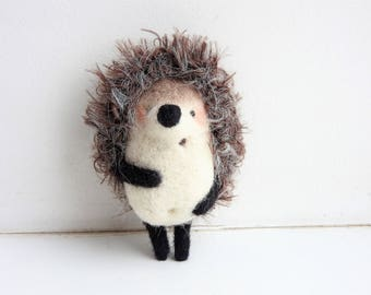 Needle felted White Hedgehog brooch / Gift for kids / Mothers day gift / Eco friendly jewerly / Kids jewerly