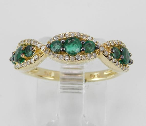 14K Yellow Gold Emerald and Diamond Anniversary Band Wedding Ring Size 7 May Birthstone