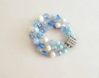 Vintage 3 Strand Faceted Bracelet With Sparkly Shades of Blue and Cream Beads