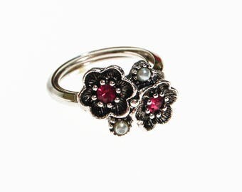 Avon Silver Flower Ring with Pink Rhinestones and Faux Pearls, Silver Tone, Adjustable, Designer Vintage Jewelry