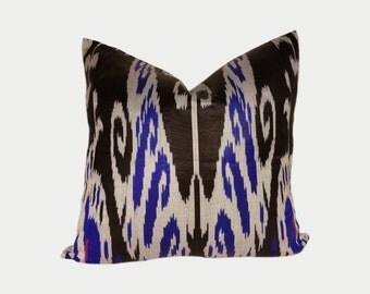 Ikat Pillow, Ikat Pillow Cover a515-2aa3a, Ikat throw pillows, Designer pillows, Decorative pillows, Accent pillows