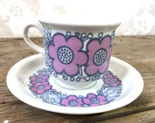 Arabia Finland Cup and Saucer in mauve and purple, perfect condition, mod floral design