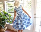 Vintage dress 1950's sleeveless wrap dress blue and white full skirt spring summer: xs, small