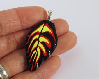 Stunning pendant, leaf pendant, red yellow and black, fire leaf, DIY crafts, Artisan pendant, unique pendant, pendants supply 1 piece