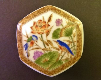 PRECIOUS PORCELAIN BOX - Very Small Hexagonal Shape Box Decorated with Birds & Flowers - Probably Chinese